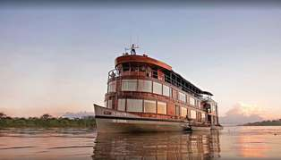 Delfin II cruise boat, Peru Amazon