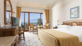 Grand Hotel de la Ville deluxe room