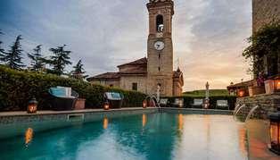 Hotel Castello di Sinio pool