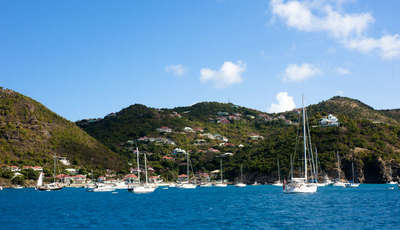 boats-near-gustavia-harbour-st-barths_400_230