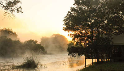 mist on the zambezi river_400_230