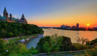 ottawa at sunset_400_230