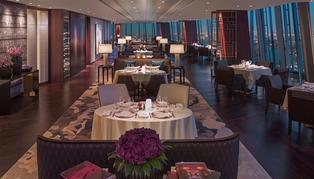 Shangri-La at the Shard, room