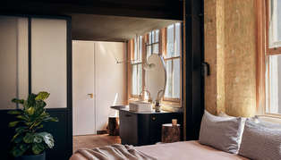 Paramount House Hotel, Sydney