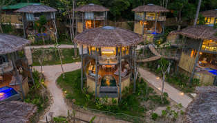 Tree House villa